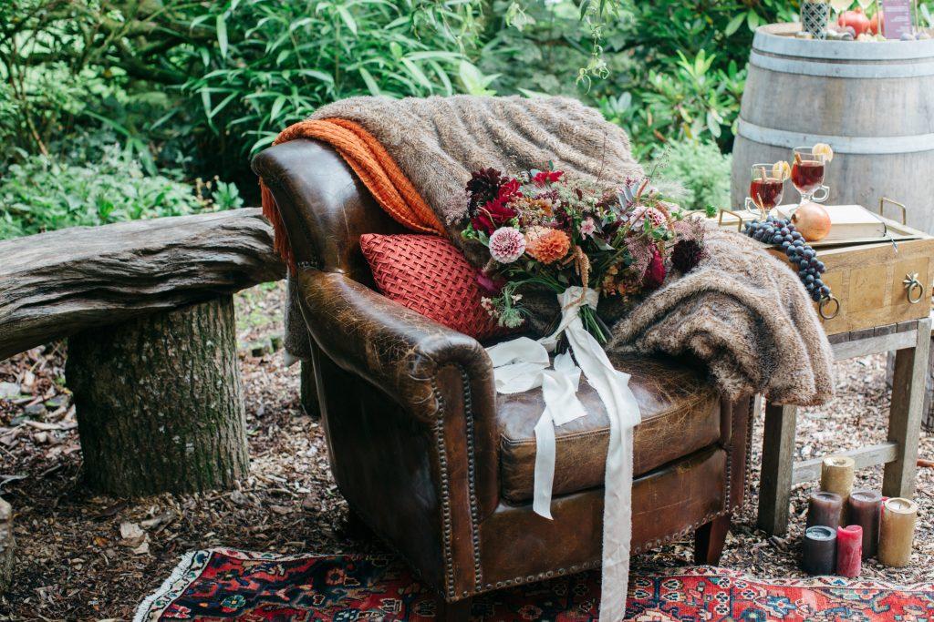 autumn-wedding-chillout-area
