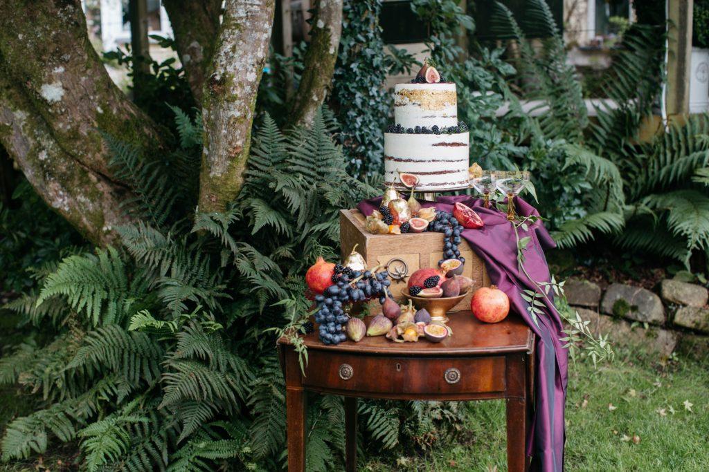 autumn cake table