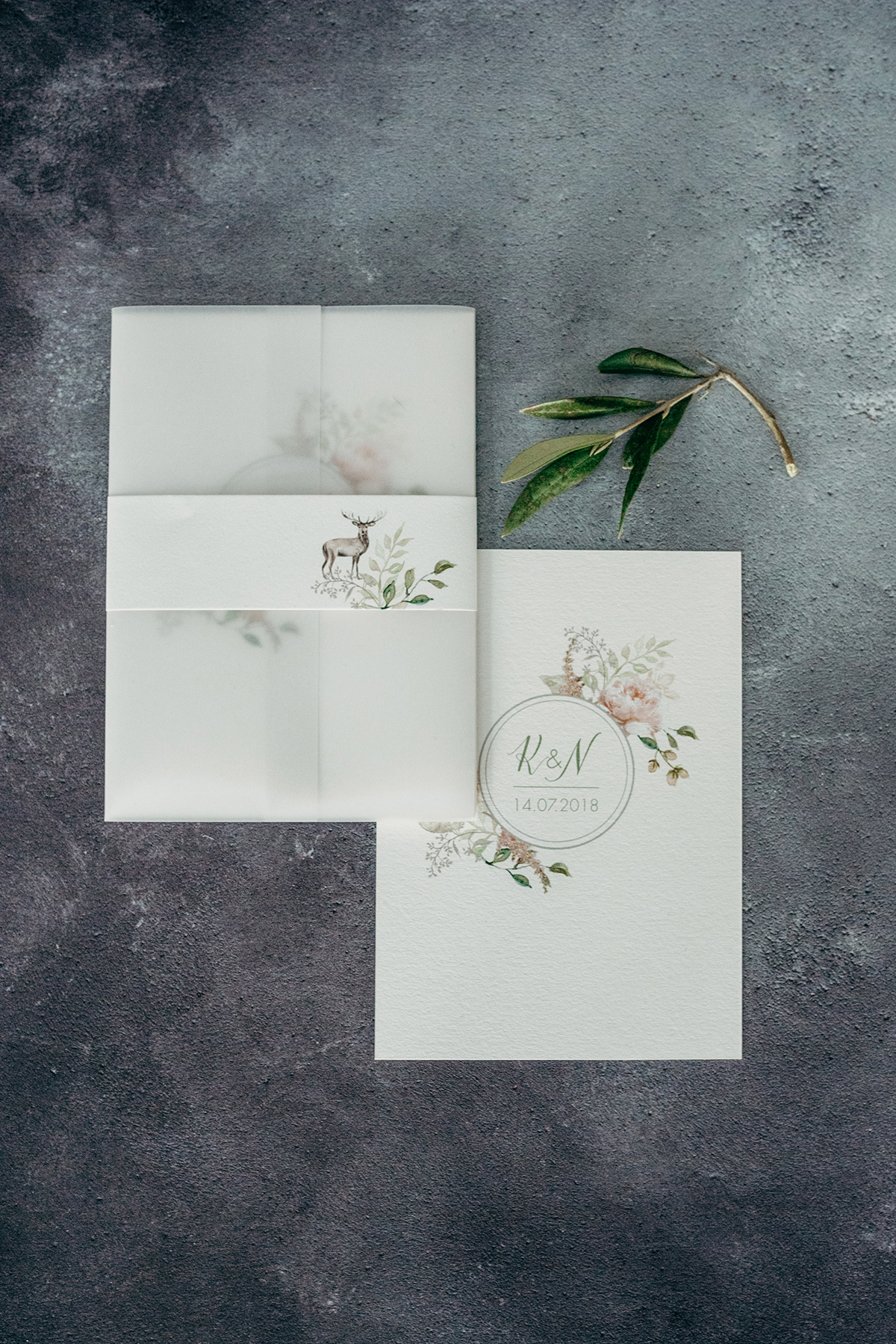 Knots & Kisses Deer Park Hotel luxe wedding invitation when to order wedding stationery