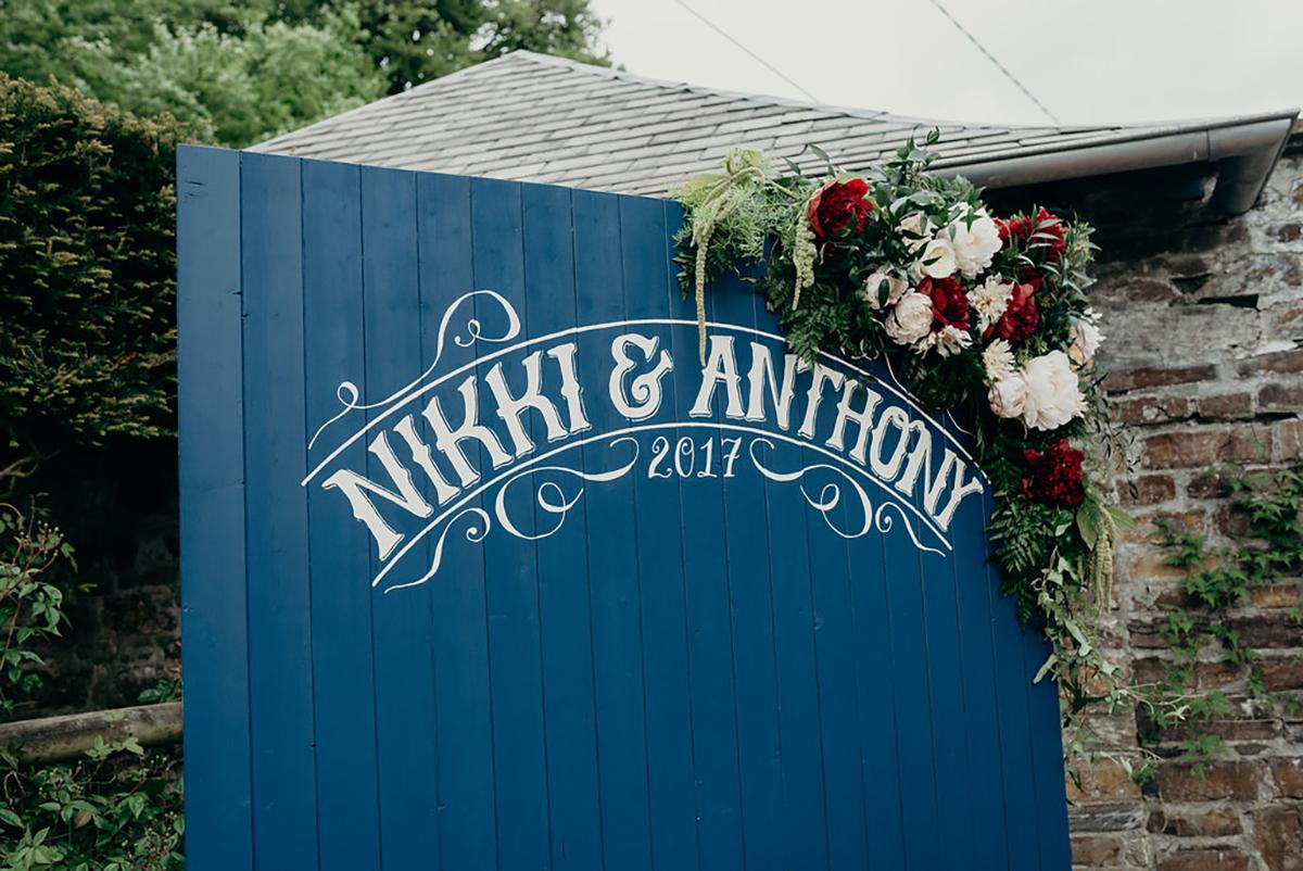 bespoke wedding sign handpainted welcome