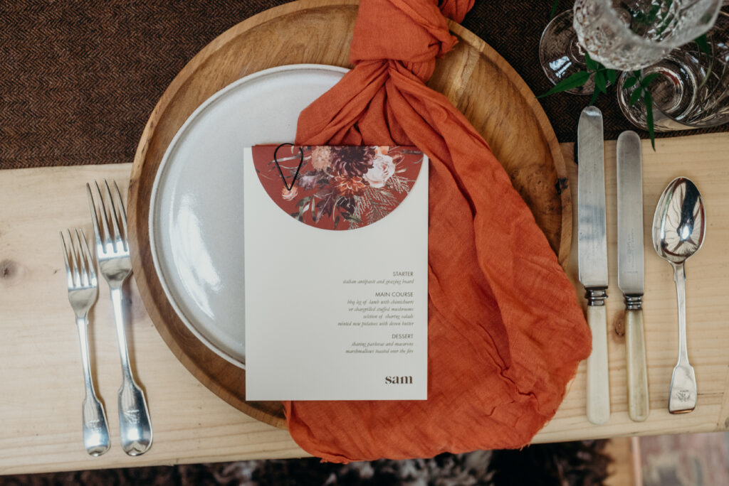 knots and kisses bespoke wedding stationery trends